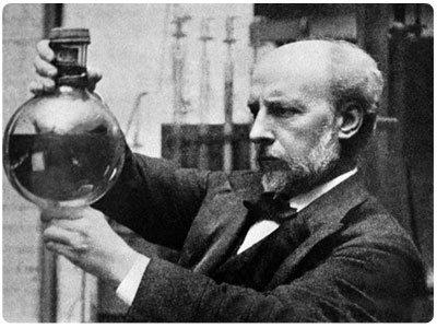 Vynález termosky si může připsat Sir James Dewar