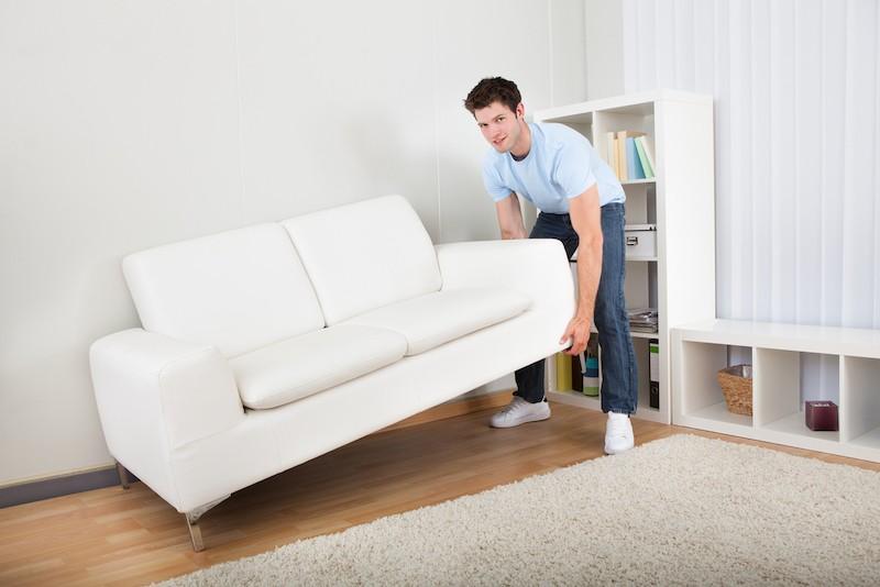 přemísťování nábytku