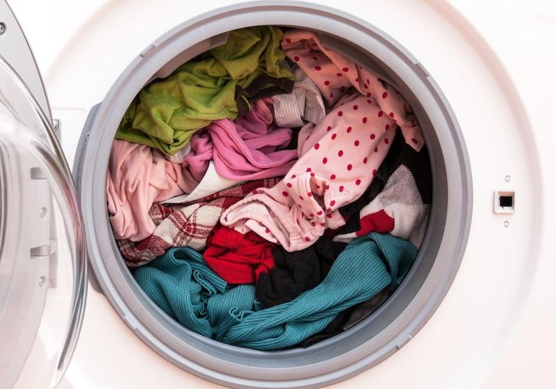 přeplněná pračka
