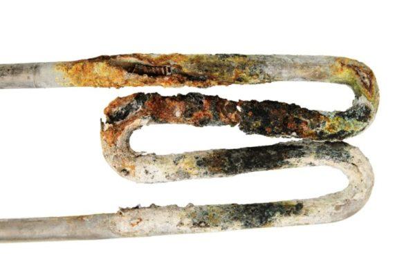 Topné těleso bojleru - spirála a vodní kámen
