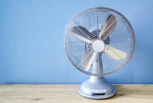 Malý stolní ventilátor se 3 rychlostmi