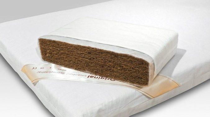 Dětský bio kokosová matrace / detail průřezu (čistý kokos + potah)