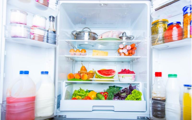 Potraviny uskladněny v lednici