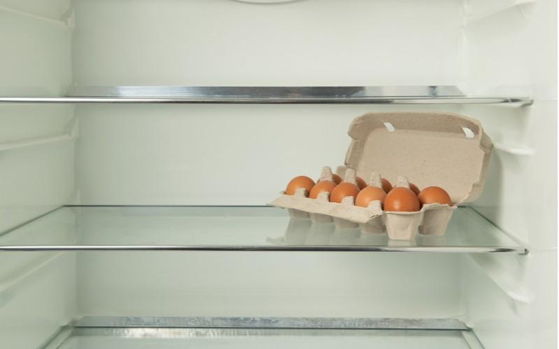 Vejce v původním obalu v chladničce