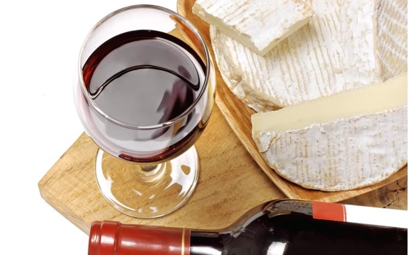 Víno a sýr = sehraná dvojice