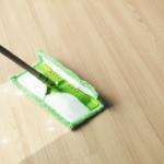 Jak si vybrat nejlepší mop na plovoucí podlahu