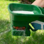 Hnojení trávníku - bez něj to tedy nepůjde, prozradíme jak na to