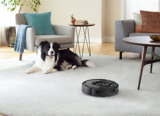 Robotický vysavač a pes