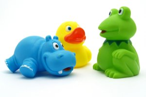 Gumový hroch, kachna a žába