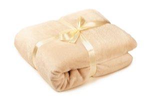 Měkká béžová deka