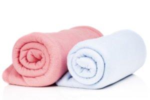 Růžová a bílá dětská deka