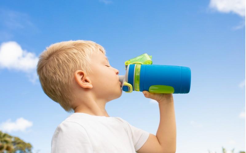 Zdravá láhev pro vaše ratolesti