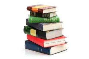 sedm knih na jedné kope