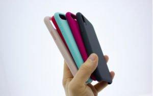 Barevné pouzdra na mobilní telefon