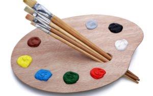 Štětce a paleta s barvami
