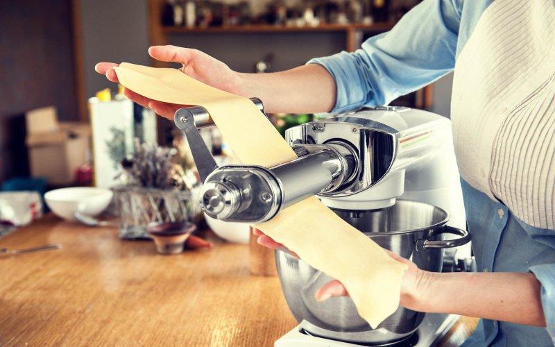 Výroba těstovin na kuchyňském robotu